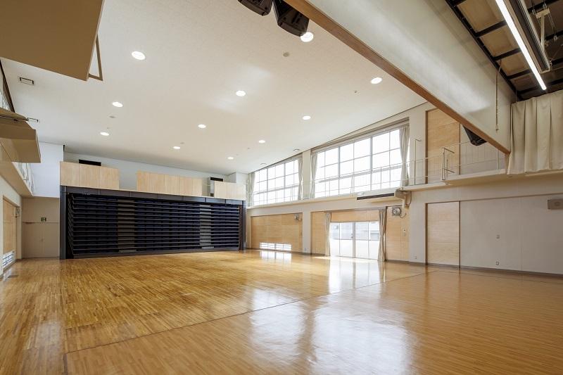 学校法人柏木学園<br>可動式ホール
